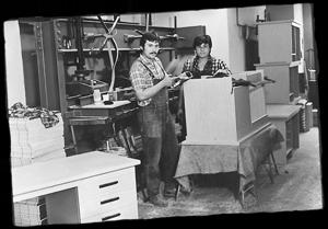 Jürgen und Andreas Hunger in der alten Werkstatt | Historie Manufaktur Hunger